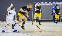 ROTTERDAM  - Noud Schoenaker (Den Bosch) passeert Nicky Leijs (Adam)  finale NK  zaalhockey hoofdklasse, Den Bosch H1-Amsterdam H1 (2-5) .   COPYRIGHT  KOEN SUYK