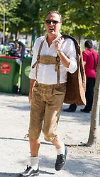 11.09.2016, Wien, AUT, Erntedankfest der Österreichischen Jungbauernschaft im Augarten. im Bild Manfred Juraczka (Klubobmann ÖVP Wien) // during harvest festival in Vienna, Austria on 2016/09/11. EXPA Pictures © 2016, PhotoCredit: EXPA/ Michael Gruber