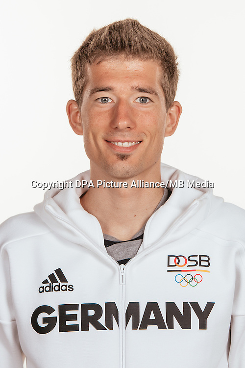 Julian Flügel poses at a photocall during the preparations for the Olympic Games in Rio at the Emmich Cambrai Barracks in Hanover, Germany, taken on 22/07/16 | usage worldwide