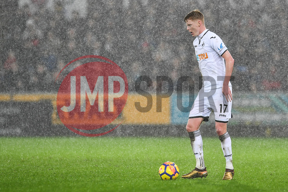 Sam Clucas of Swansea City in action - Mandatory by-line: Craig Thomas/JMP - 02/01/2018 - FOOTBALL - Liberty Stadium - Swansea, England - Swansea City v Tottenham Hotspur - Premier League