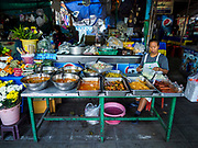 07 NOVEMBER 2017 - BANGKOK, THAILAND: A food stand at a local market on Ekkamai Soi 30 in Bangkok.      PHOTO BY JACK KURTZ