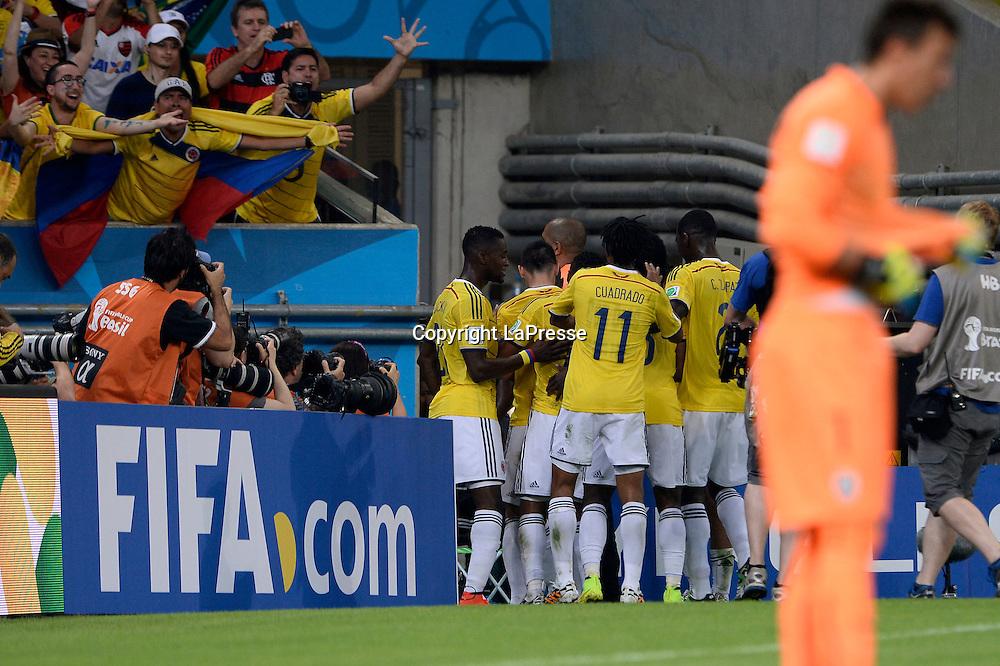 foto Fabio Ferrari - LaPresse<br /> 28 06 2014 Rio de Janeiro (Brasile)<br /> sport, calcio<br /> Mondiali 2014 - Colombia vs Uruguay - Ottavi di Finale - Stadio Maracana' di Rio de Janeiro.<br /> nella foto: esultanza rete James David Rodr&iacute;guez Rubio (Colombia)<br /> <br /> photo Fabio Ferrari - LaPresse<br /> 28 06 2014 Rio de Janeiro (Brasile)<br /> sport, soccer<br /> World Cup 2014 - Colombia vs Uruguay - Round of 16 - Stadio Maracana' of Rio de Janeiro.<br /> in the picture: James David Rodr&iacute;guez Rubio (Colombia) celebrates