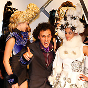 NLD/Amsterdam/20120126 - AFW winter 2012 - Modeshow Sepehr Maghsoudi, Soraya Akhbar met model en Sepehr Maghsoudi