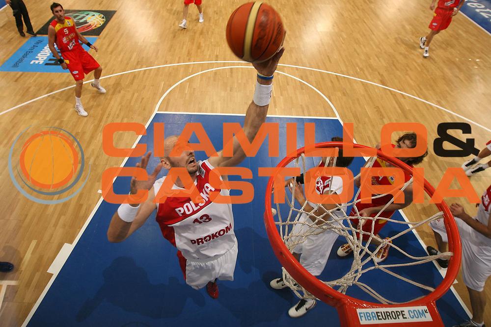 DESCRIZIONE : Lodz Poland Polonia Eurobasket Men 2009 Qualifying Round Polonia Poland Spagna Spain<br /> GIOCATORE : Marcin Gortat<br /> SQUADRA : Polonia Poland<br /> EVENTO : Eurobasket Men 2009<br /> GARA : Polonia Poland Spagna Spain<br /> DATA : 16/09/2009 <br /> CATEGORIA :<br /> SPORT : Pallacanestro <br /> AUTORE : Agenzia Ciamillo-Castoria/E.Castoria<br /> Galleria : Eurobasket Men 2009 <br /> Fotonotizia : Lodz Poland Polonia Eurobasket Men 2009 Qualifying Round Polonia Poland Spagna Spain<br /> Predefinita :