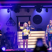 NLD/Amsterdam/20191115 - Chantals Pyjama Party in Ziggo Dome, Tony Junior met Chantal Janzen en Tijl Beckand