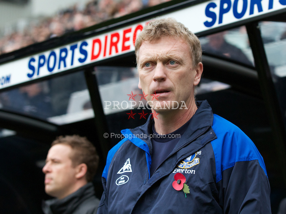 NEWCASTLE-UPON-TYNE, ENGLAND - Saturday, November 5, 2011: Everton's manager David Moyes before the Premiership match against Newcastle United at St. James' Park. (Pic by Vegard Grott/Propaganda)