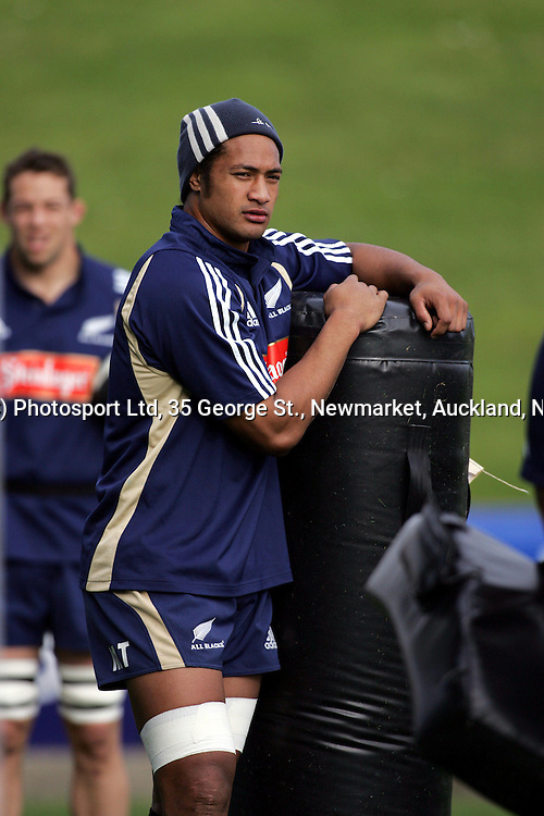 Mose Tuiali'i during the All Blacks training at North Harbour Stadium, on Wednesday 16 June, 2004. The All Blacks play England in the second test match on Saturday at Eden Park.<br />