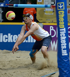 01-06-2014 NED: Eredivisie Beachvolleybal 2014, Arnhem<br /> Richard de Kogel