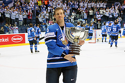 15.04.2011, Orange Arena, Bratislava, SVK, IIHF 2011 World Championship, Finale, SWEDEN vs FINLAND, im Bild 15.04.2011, Orange Arena, Bratislava, SVK, IIHF 2011 World Championship, Finale, SWEDEN vs FINLAND, im Bild ... EXPA Pictures © 2011, PhotoCredit: EXPA/ EXPA/ Newspix/ .Tadeusz Bacal +++++ ATTENTION - FOR AUSTRIA/(AUT), SLOVENIA/(SLO), SERBIA/(SRB), CROATIA/(CRO), SWISS/(SUI) and SWEDEN/(SWE) CLIENT ONLY +++++