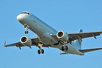 Air Canada Embraer 190 landing