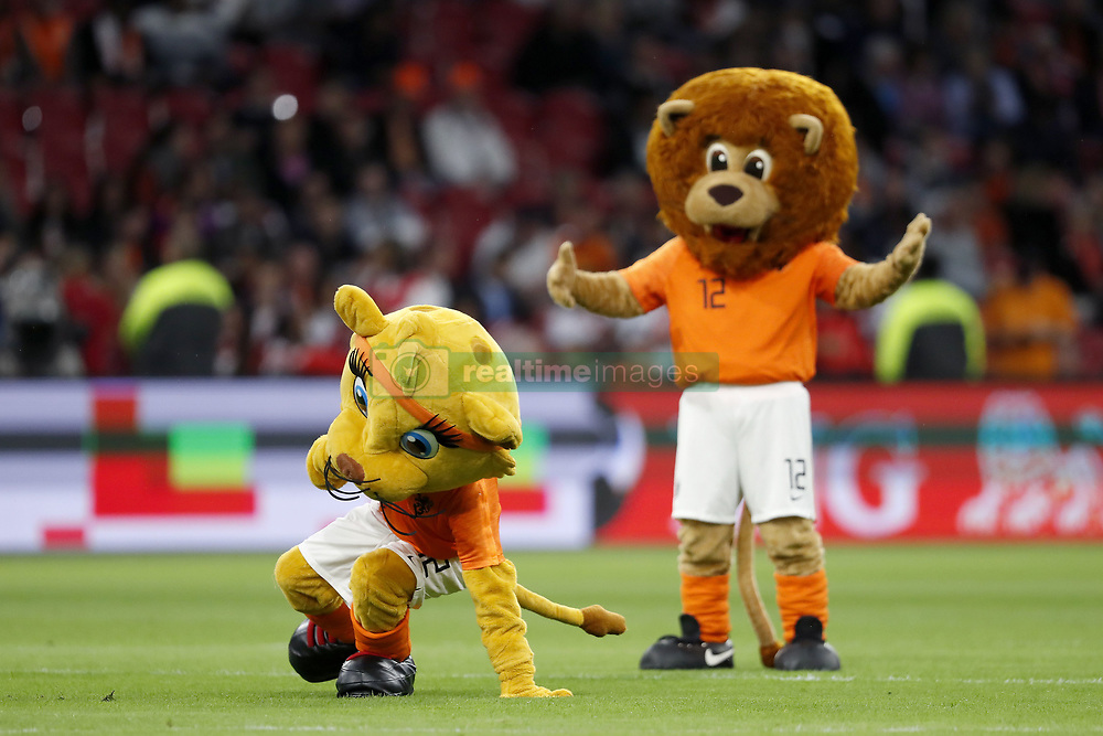 (L-R) mascotte Kicky, mascotte Dutchy during the International friendly match match between The Netherlands and Peru at the Johan Cruijff Arena on September 06, 2018 in Amsterdam, The Netherlands
