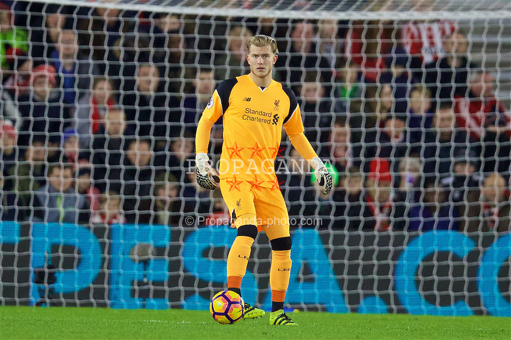 SOUTHAMPTON, ENGLAND - Saturday, November 19, 2016: Liverpool's goalkeeper Loris Karius in action against Southampton during the FA Premier League match at St. Mary's Stadium. (Pic by David Rawcliffe/Propaganda)