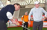 AMSTERDAM - Willem van Hanegem en Tim Sluiter. Golfbeurs , Amsterdam Golf Show, in de Amsterdamse Rai. COPYRIGHT KOEN SUYK