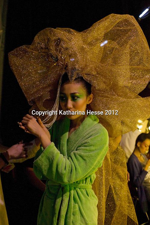 Backstage At China S Top Fashion Designer Guo Pei Katharina Hesse Archive