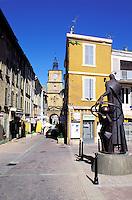 France - Provence - Bouche du Rhone - Salon de Provence - Porte de l'Horloge