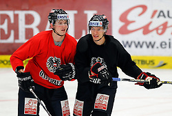 04.04.2012, Stadthalle, Villach, AUT, OeHV, Training Nationalteam Oesterreich, im Bild Mario Altmann und Thomas Raffl (AUT) // during a Trainingssession of austrians National eishockey team at Stadthalle, Villach, Austria on 2012/04/04. EXPA Pictures © 2012, PhotoCredit: EXPA/ Oskar Hoeher