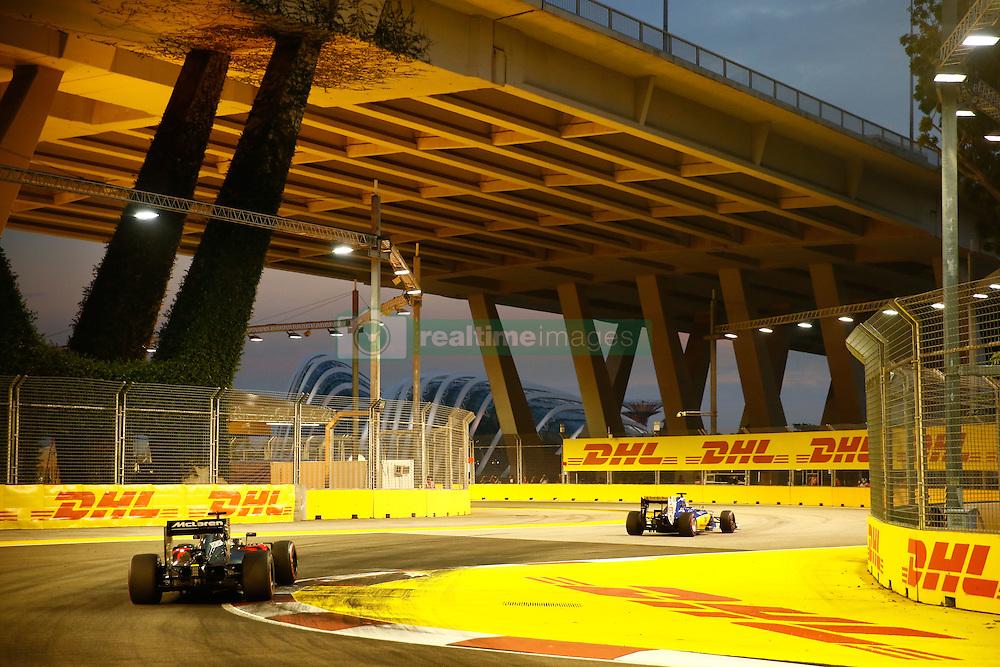 September 16, 2016 - Singapur, Singapur - Motorsports: FIA Formula One World Championship 2016, Grand Prix of Singapore, .#22 Jenson Button (GBR, McLaren Honda Formula 1 Team) (Credit Image: © Hoch Zwei via ZUMA Wire)
