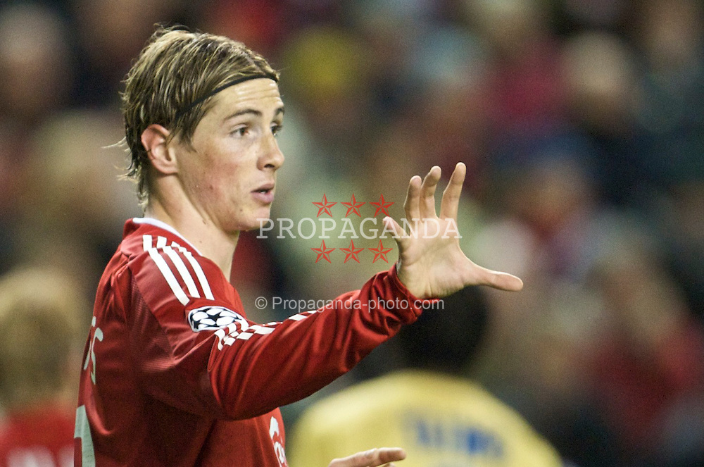 LIVERPOOL, ENGLAND - Wednesday, November 26, 2008: Liverpool's Fernando Torres in action against Olympique de Marseille during the UEFA Champions League Group D match at Anfield. (Photo by David Rawcliffe/Propaganda)