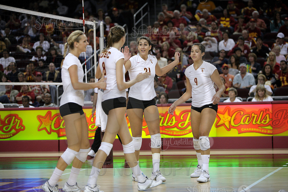 11 October 2008: Pac-10 Women's Volleyball No. 10 ranked Washington Huskies snaps No. 11 USC's Women of Troy Home Winning streak at 32 during a 3 sets to 2 set win for the Huskies who hit .409 in the final set to earn the five-set win at the Galen Center in Southern California, CA. #21 Kimmee Roleder of Pasadena, CA.