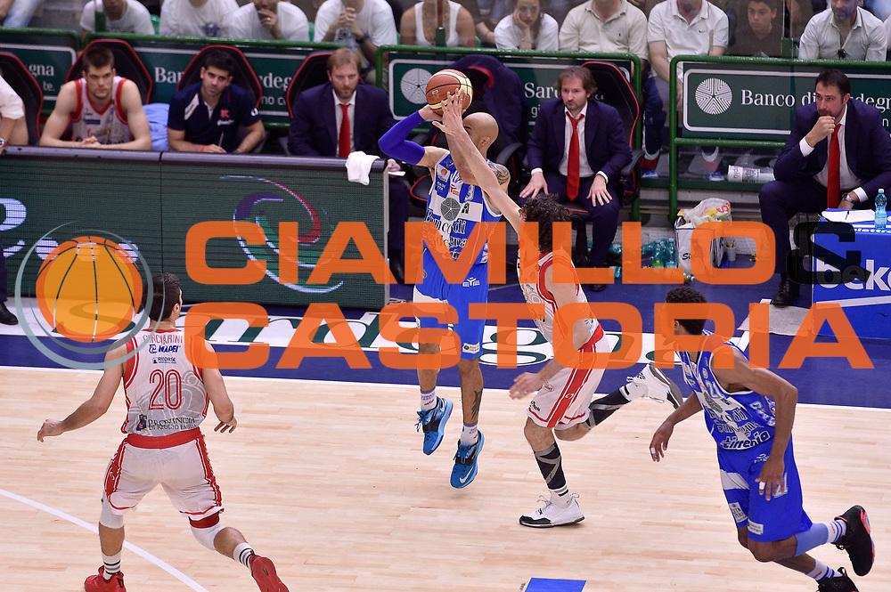 DESCRIZIONE : Sassari Lega A 2014-2015 Banco di Sardegna Sassari Grissinbon Reggio Emilia Finale Playoff Gara 6 <br /> GIOCATORE : David Logan<br /> CATEGORIA : tiro three points<br /> SQUADRA : Banco di Sardegna Sassari<br /> EVENTO : Campionato Lega A 2014-2015<br /> GARA : Banco di Sardegna Sassari Grissinbon Reggio Emilia Finale Playoff Gara 6 <br /> DATA : 24/06/2015<br /> SPORT : Pallacanestro<br /> AUTORE : Agenzia Ciamillo-Castoria/GiulioCiamillo<br /> GALLERIA : Lega Basket A 2014-2015<br /> FOTONOTIZIA : Sassari Lega A 2014-2015 Banco di Sardegna Sassari Grissinbon Reggio Emilia Finale Playoff Gara 6<br /> PREDEFINITA :