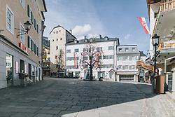 20.03.2020, Zell am See, AUT, tägliches Leben mit dem Coronavirus, im Bild kein Mensch ist auf dem Stadtplatz unterwegs. Leere Plätze in der Innenstadt von Zell am See. Für ganz Österreich wurde eine Ausgangsbeschränkung der Bundesregierung ausgesprochen // no one is on the move in the pedestrian zone. Empty places in the city centre of Zell am See. The Austrian government is pursuing aggressive measures in an effort to slow the ongoing spread of the coronavirus, Zell am See, Austria on 2020/03/20. EXPA Pictures © 2020, PhotoCredit: EXPA/ Stefanie Oberhauser