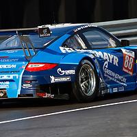 #88 Porsche 911 GT3 RSR, Proton Competition, drivers: Ried, Roda, Ruberti, FIA WEC 2013 6h of Silverstone