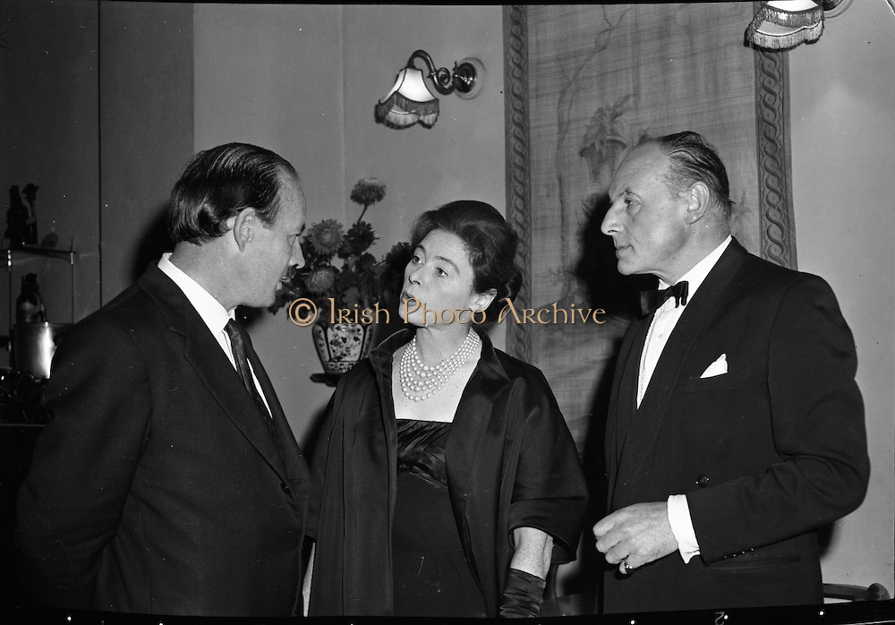 "'Don Giovanni"" film at the Olympia Theatre..1961..02.10.1961..10.02.1961..2nd October 1961..At the Olympia Theatre ,Dublin , the actress Siobhán McKenna,attended the performance of the film 'Don Giovanni'. The film was presented in conjunction with Gael Linn at the theatre...Image shows Siobhán McKenna in conversation before the showing of the film. If you know the names of the two gentlemen why not let us know at irishphotoarchive@gmail.com and we will gladly add them to the caption."