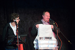 40 Jahre Gorleben, das heißt auch 40 Jahre Bürgerinitiative Umweltschutz Lüchow-Dannenberg e.V. – am 2. März 1977 wurde die BI in das Vereinsregister eingetragen. <br /> Dies nahm die BI zum Anlass, am 25.03.2017 zur Jubiläumsfeier in die Trebelner Bauernstuben  einzuladen. Im Bild (von links): BI-Vorsitzender Martin Donat und Probst Stephan Wichert-von Holten<br /> <br /> Ort: Trebel<br /> Copyright: Michaela Mügge<br /> Quelle: PubliXviewinG