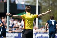 AMSTELVEEN -  Hockey Hoofdklasse heren Pinoke-Amsterdam (3-6).  scheidsrechter Jonas van 't Hek.  .  COPYRIGHT KOEN SUYK