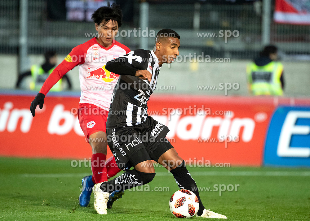 28.10.2018, TGW Arena, Pasching, AUT, 1. FBL, LASK Linz vs FC Red Bull Salzburg, Grunddurchgang, 12. Runde, im Bild v.l. Takumi Minamino (FC Red Bull Salzburg), Joao Victor Santos Sa (LASK) // during the Austrian Football Bundesliga 12th round match between LASK Linz and FC Red Bull Salzburg at the TGW Arena in Pasching, Austria on 2018/10/28. EXPA Pictures © 2018, PhotoCredit: EXPA/ Reinhard Eisenbauer