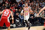 DESCRIZIONE : Milano Euroleague 2015-16 EA7 Emporio Armani Milano - Olympiacos Piraeus<br /> GIOCATORE : Daniel Hackett<br /> CATEGORIA : palleggio<br /> SQUADRA : Olympiacos Piraeus<br /> EVENTO : Euroleague 2015-2016<br /> GARA : EA7 Emporio Armani Milano - Olympiacos Piraeus<br /> DATA : 30/10/2015<br /> SPORT : Pallacanestro<br /> AUTORE : Agenzia Ciamillo-Castoria/Max.Ceretti<br /> Galleria : Euroleague 2015-2016 <br /> Fotonotizia: Milano Euroleague 2015-16 EA7 Emporio Armani Milano - Olympiacos Piraeus