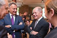 09 MAY 2019, BERLIN/GERMANY:<br /> Dr. Michael Frenzel (L), Praesident des Wirtschaftsforums der SPD, und Olaf Scholz (R), SPD, Bundesfinanzminister, im Gespraech, Wirtschaftskonferenz des Wirtschaftsforums der SPD, Kalkscheune<br /> IMAGE: 20190509-01-186<br /> KEYWORDS: Gespräch