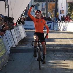 10-11-2019: Wielrennen: Europees Kampioenschap Veldrijden: Silvelle<br />Puck Pieterse (Amersfoort) pakt in het Italiaanse Silvelle de Europese titel bij de junior vrouwen