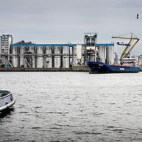 Nederland, Amsterdam , 25 oktober 2011..Cargill aan de Coenhavenweg.. .Cargill in Nederland.Cargill is een internationale leverancier van producten en diensten op het gebied van voedsel, landbouw en risicomanagement. .Foto:Jean-Pierre Jans