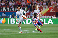 Atletico de Madrid´s Tiago (R) and Real Madrid´s Gareth Bale during 2014 Supercopa de España `Spain Supercup´ second leg match at Vicente Calderon stadium. August 22, 2014. (ALTERPHOTOS/Victor Blanco)
