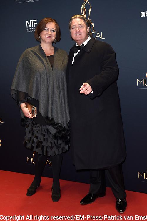 Musical Awards Gala 2016 in het Beatrix Theater Utrecht<br /> <br /> Op de foto:  Erwin van Lambaart en partner