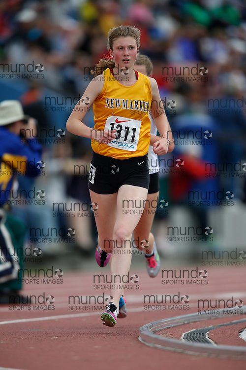 Kelsey Horner of Newmarket HS - Newmarket competes in the junior girls 3000m at the 2013 OFSAA Track and Field Championship in Oshawa Ontario, Saturday,  June 8, 2013.<br /> Mundo Sport Images/ Geoff Robins