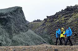 05-07-2014 NED: Iceland Diabetes Challenge dag 1, Landmannalaugar <br /> Vandaag ging de challenge van start. Met een bus gingen we van Vogar naar Landmannalaugar en zagen we de eerste tekenen van het prachtige landschap van IJsland / Sandra, Sasja, Andre