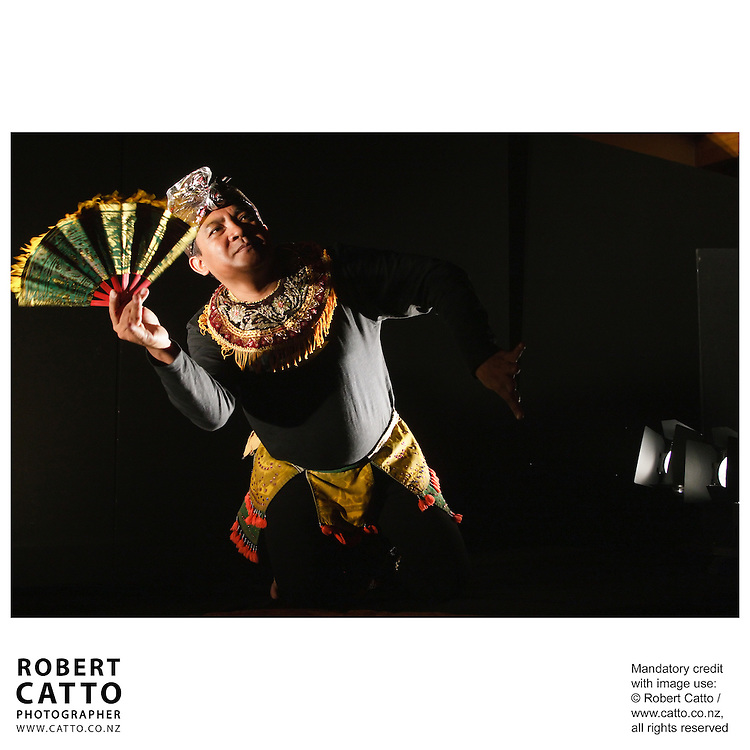 Acclaimed master of Balinese masked dance, I NYOMAN SUKERTA combines with local artists to reinterpret Shakespeare's famous text...This new collaboration between NZ and Indonesian artists is a hugely entertaining, sometimes startling, reinterpretation of Shakespeare's view of human life. Mixing multi-lingual declamation, exotic vocal styles, physical theatre and gamelan percussion this production transcends the many boundaries of time and place, language and culture. Shakespeare was never more universal than this! All the world's a stage?