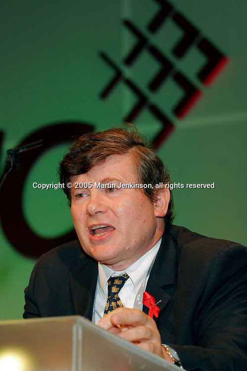 Richard Reiser, NUT, speaking at the TUC 2005....© Martin Jenkinson, tel/fax 0114 258 6808 mobile 07831 189363 email martin@pressphotos.co.uk. Copyright Designs & Patents Act 1988, moral rights asserted credit required. No part of this photo to be stored, reproduced, manipulated or transmitted to third parties by any means without prior written permission