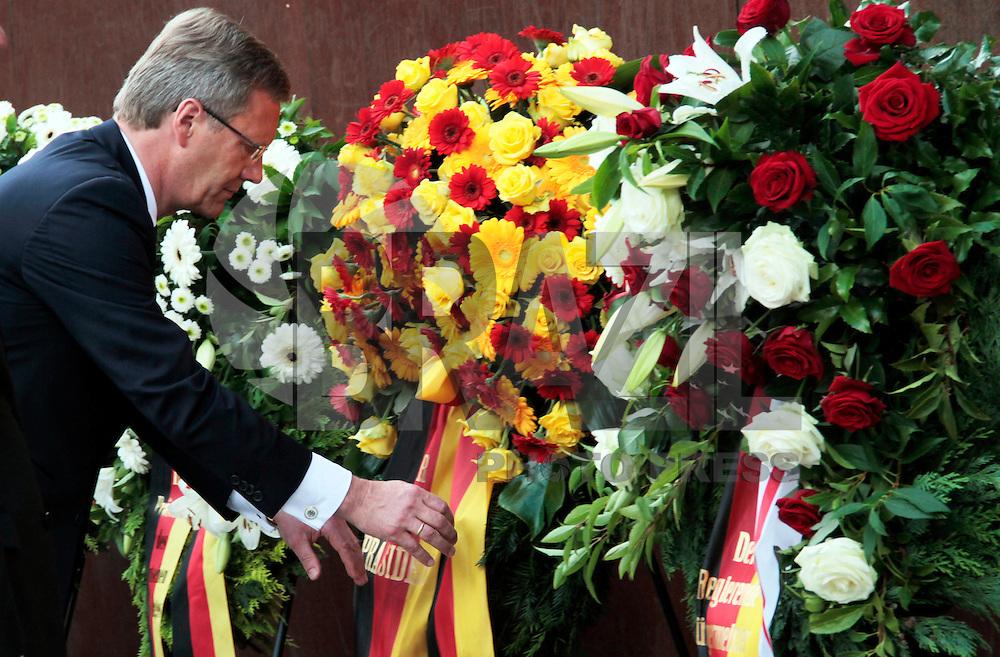 BERLIN, ALEMANHA, 13 DE AGOSTO 2011 - 50 ANOS MURO DE BERLIN - Presidente Chistian Wulff durante cerimonia de comemoração dos 50 anos da construção do Muro de Berlin na Alemanha. FOTO: VANESSA CARVALHO - NEWS FREE.