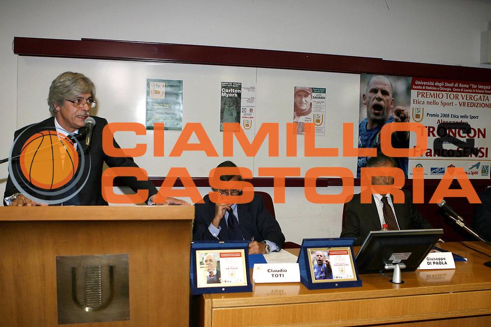 DESCRIZIONE : Roma Premio Tor Vergata Etica dello Sport VII Edizione<br /> GIOCATORE : Mario Arceri Claudio Toti Giuseppe Di Paola<br /> SQUADRA :<br /> EVENTO : Premio Tor Vergata Etica dello Sport VII Edizione<br /> GARA : <br /> DATA : 26/05/2008 <br /> CATEGORIA : Award Premiazione Premiati Franco Sensi e Alessandro Troncon<br /> SPORT : Pallacanestro <br /> AUTORE : Agenzia Ciamillo-Castoria/E.Castoria<br /> Galleria : Lega Basket A1 2007-2008<br /> Fotonotizia : Premio Tor Vergata Etica dello Sport VII Edizione<br /> Predefinita :