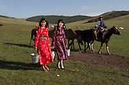 Mongolia. inside the yurt of a family of cattle breeder and horse  in   Hundlun bulag  -   /  interieur de yourte , famille d eleveurs de chevaux, a    HUNDLUN bulag  - Mongolie  D