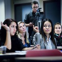 Nederland, Diemen , 10 november 2011..Studenten tijdens de bijspijkercursus Media & Entertainment Management op hogeschool InHolland in Diemen..Foto:Jean-Pierre Jans