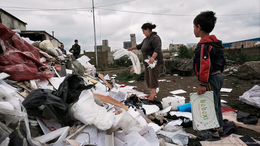 Dokumentation über die Situation der Roma in Kosovo für das Schweizer Hilfswerk HEKS.