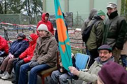 """Im Vorfeld des Castortransports demonstrieren jeden Sonntag ältere Atomkraftgegner bei der so genannten """"Stuhlprobe"""". In unmittelbarer Nähe zur Castor-Umladestation im wendländischen Dannenberg treffen sich regelmäßig rund 50 Demonstranten. <br /> <br /> Ort: Dannenberg<br /> Copyright: Karin Behr<br /> Quelle: PubliXviewinG"""