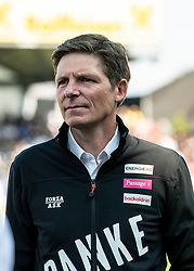 26.05.2019, TGW Arena, Pasching, AUT, 1. FBL, LASK vs FK Austria Wien, Meistergruppe, 32. Spieltag, im Bild Trainer Oliver Glasner (LASK) feiert den Abschied vom LASK // during the tipico Bundesliga master group 32th round match between LASK and FK Austria Wien at the TGW Arena in Pasching, Austria on 2019/05/26. EXPA Pictures © 2019, PhotoCredit: EXPA/ Reinhard Eisenbauer