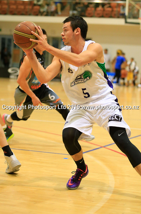 Ranger's Jason Cadee with the ball. NBL basketball, Hawkes Bay Hawks  v Super City Rangers, PG Arena, Napier, New Zealand. Saturday, 18 April, 2015. Copyright photo: John Cowpland / www.photosport.co.nz