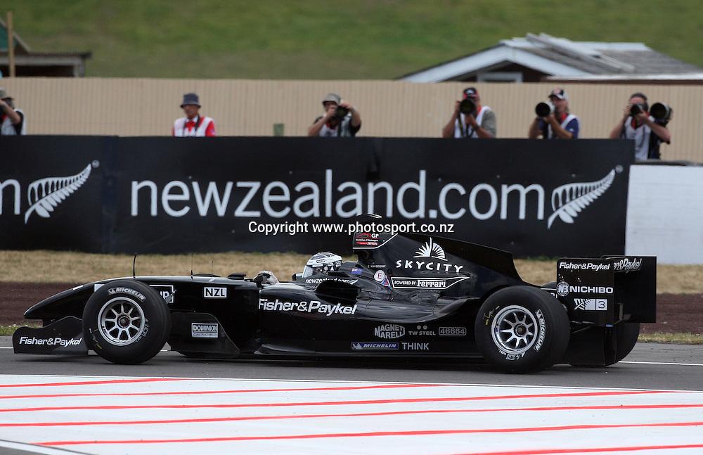 A1 Team New Zealand in the A1 GP Feature Race, Taupo, New Zealand, Sunday 25 January 2009. Photo: Andrew Cornaga/PHOTOSPORT