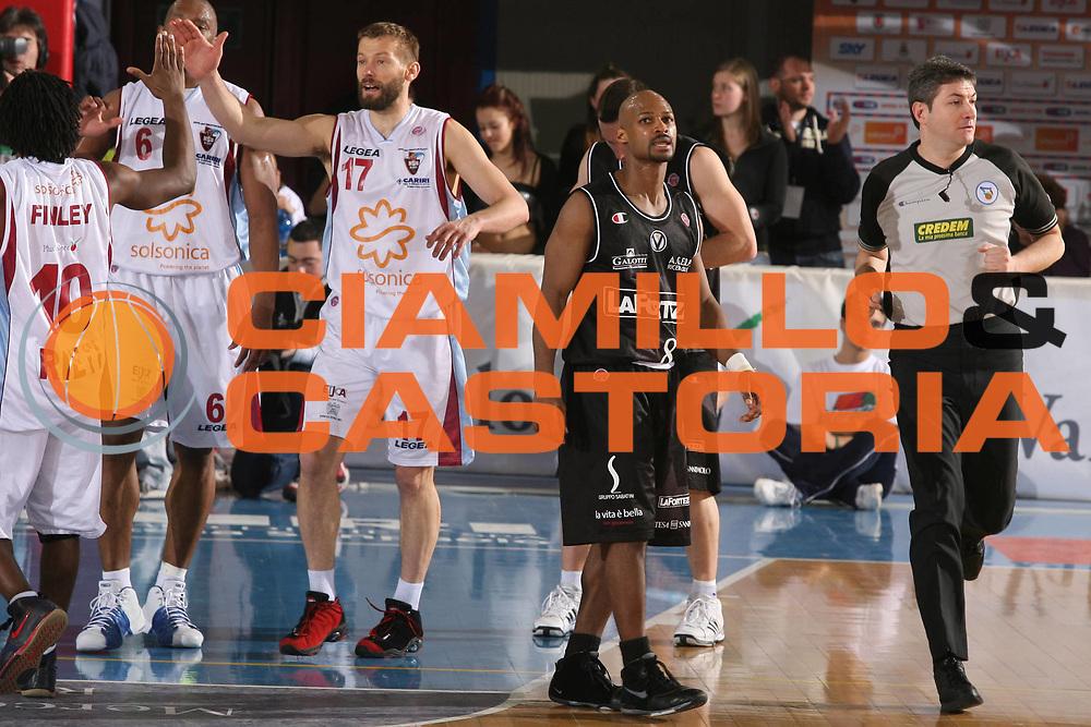 DESCRIZIONE : Rieti Lega A1 2007-08 Solsonica Rieti VidiVici Virtus Bologna <br /> GIOCATORE : Travis Best <br /> SQUADRA : VidiVici Virtus Bologna <br /> EVENTO : Campionato Lega A1 2007-2008 <br /> GARA : Solsonica Rieti VidiVici Virtus Bologna <br /> DATA : 29/03/2008 <br /> CATEGORIA : Delusione <br /> SPORT : Pallacanestro <br /> AUTORE : Agenzia Ciamillo-Castoria/G.Ciamillo